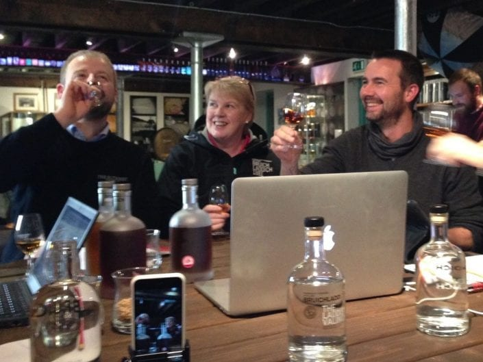 LaddieMP3 live whisky tasting - cheers